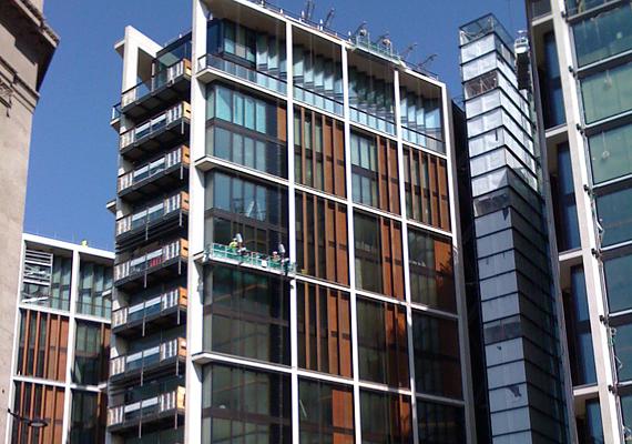 A londoni One Hyde Parkban van ingatlanja az ukrán Rinat Akhmetovnak, mely körülbelül 221 millió dollárt ér.