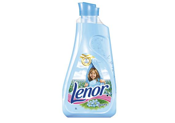 Nem hiányozhatott a listáról a Lenor Spring nevű öblítője sem, mely légies, tavaszi illattal ajándékozza meg a ruhákat.