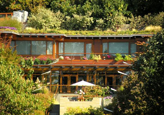 Bill Gates híressé vált otthona, a Xanadu 2.0 Washington külvárosában, a Washington-tó mellett található.