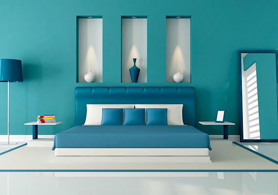 A kéknek is akadnak olyan erőteljes árnyalatai, amelyek ugyan szépek, de hideggé és komorrá teszik a szobát. Ez az alvás minőségére is kihathat, és reggel borús hangulatban kelhetsz.