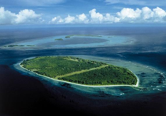 Bár már eladta, egykor Liliane tulajdonában állt a Seychelles-szigeteki D'arros is.