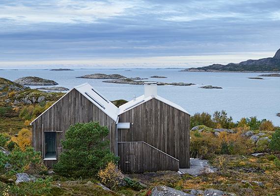 A képen a Vega Cottage látható, melyet a Norvég-tenger egyik, a Vega-szigetcsoporthoz tartozó szigetére álmodott meg a Kolman Boye Architects építészstúdió.