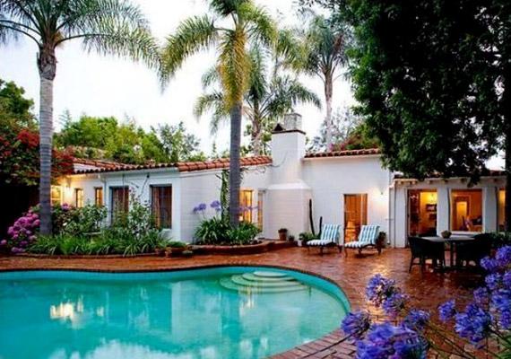 A filmcsillag úszómedencés egykori otthona 1929-ben épült.