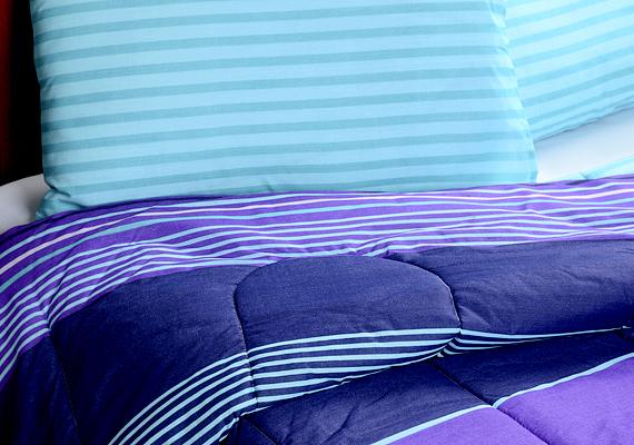 Az ágyneműcsere kérdése szintén sarkalatos pontja a háztartási tennivalóknak. Két-, de háromhetente akkor is érdemes lecserélni a lepedőket és a huzatokat, ha csak az alvásidő erejéig érintkezel velük. Az optimális időpont egyéb tényezőktől is függ, kattints ide, szakértőnk elárulja, hogy mitől.