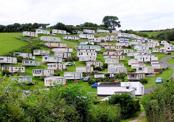 Mobilházak az angliai Beer közelében, Devon megyében.