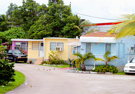 Mobilház-lakópark Miamiban, Floridában.