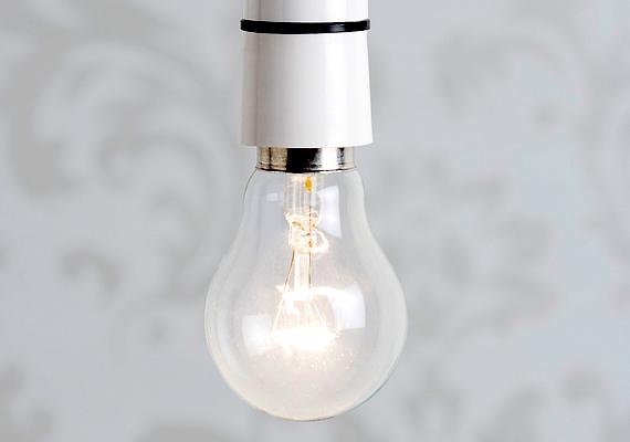 A nappalok rövidülése és az óraátállítás miatt a villanyszámla a világítás miatt is jelentős mértékben növekedhet, épp ezért ez a legjobb alkalom arra, hogy áttérj a hagyományos égők helyett takarékosabb alternatívákra, például LED-es fényforrásokra. Ide kattintva többet is megtudhatsz róluk.