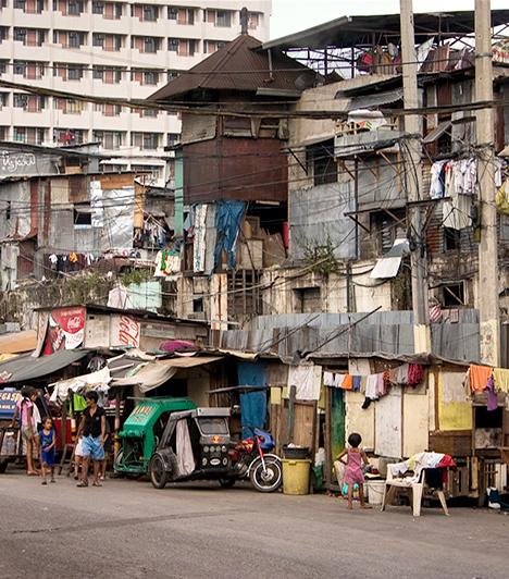 Manila, Fülöp-szigetek  A világon a becslések szerint egymilliárd ember él nyomornegyedekben, a legtöbben közülük Ázsiában. A Fülöp-szigeteken is igen magas a szám, ebben az esetben mintegy 20 millió emberről beszélhetünk, jelentős részüknek a főváros, Manila nyomortelepei jelentik az otthont.  Kapcsolódó cikk: Szívbemarkoló képek az embertelen lakótelepről »