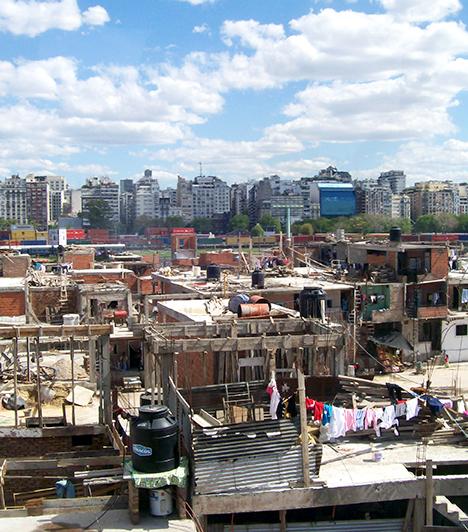Villa 31, Buenos Aires, Argentína                         Az argentin nyomornegyedeket villa miseriának hívják, mely kifejezés a szenvedésre utal. Az egyik legismertebb, ilyen hely Buenos Airesben a Villa 31.