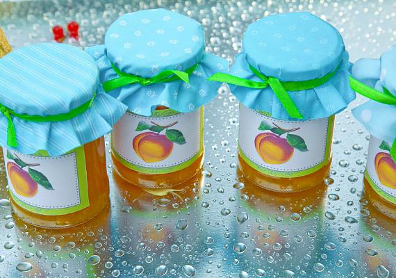 Az üvegekről, befőttekről könnyen eltávolíthatod a makacs címkéket, ha egy kis olajjal kened át őket.