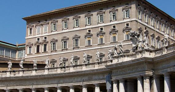 Az Apostoli Palota - ide is beköltözhetett volna Ferenc pápa. Ha kíváncsi vagy, itt milyen körülmények várták volna, kattints ide, és nézd meg a további képeket is!