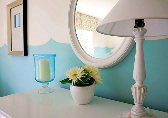 A tükör megkétszerezi a chi áramlását az adott lakásrészben, így, ha a pénzsarokba állítod, akkor jelentős változást hoz az anyagiak terén.