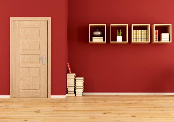 Ha a falak vörösek, a plafon és a padló jobb, ha világos árnyalatú, ellenkező esetben előbbi nyomasztó hatást kelthet, emellett optikailag is csökkenti a teret.
