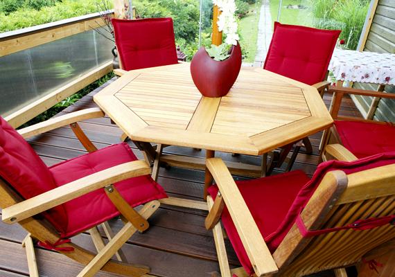 A természet zöldjével is harmonizál, üde színfolt lehet például az erkélyen, teraszon is.