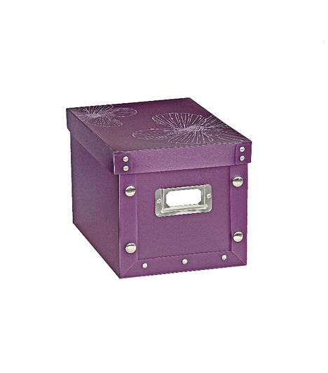 Dekoratív dobozA KIKA kínálatában színes, mutatós tárolódobozokat találsz, melyeket még fel is címkézhetsz, hogy tudd, mit rejtesz bennük a szekrény tetejére. A strapabíró tároló több színben is kapható, hogy biztosan megtaláld a lakásodhoz legjobban illőt.