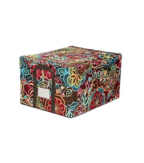 Reisenthel tárolódobozHa egy kevés hely is akad a szekrény tetején, nyert ügyed van: néhány színes dobozban itt rengeteg dolgot tárolhatsz. Ehhez válaszd a Reisenthel dobozát, ami nemcsak dekoratív, de tartós is - két füllel és címkével ellátva.Kapcsolódó cikk:4 okos tároló a ruháknak »