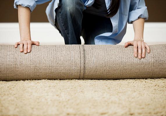 A szőnyeg alulról is segít szigetelni a lakást: teríts le a földre vastag, bolyhos típust.