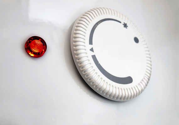 Ha a bojlerben lerakódott a vízkő, az szintén jócskán megemelheti az energiafogyasztást. Tisztíttasd ki egy szerelővel, így elkerülheted a magas hó eleji számlát!
