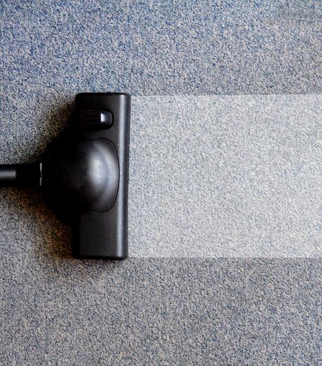 Szőnyeg                         A szőnyeg, csakúgy, mint a szőnyeg, képes arra, hogy bizonyos mértékben szigeteljen. Fektess le padlószönyeged a földre, főleg, ha alattad nem lakik senki. Minél vastagabb, annál jobb.
