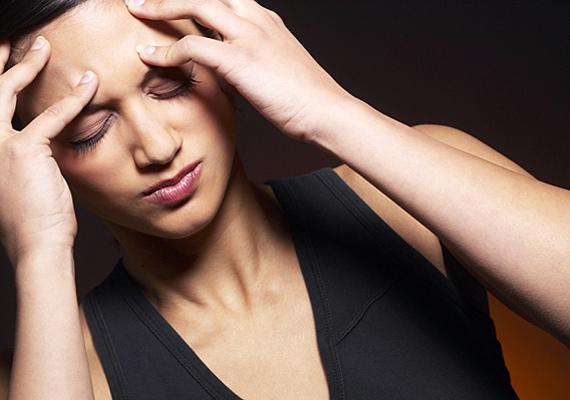 Ha pedig mindehhez fejfájás - akár migrénes erősségű - társul, tovább erősödik a szivárgás gyanúja.