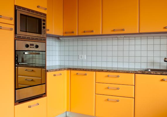 A narancssárga energikus szín, ha azonban fogyókúrázol, nem ajánlott nagyobb felületen alkalmaznod a konyhában, ugyanis növeli az étvágyat. Kattints ide, és megismerheted részletesen a hatásait.