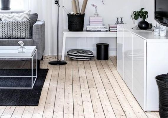 Növeli a térérzetet az is, ha a padló világos, és ez kellőképp érvényesül is, például nem terítesz rá feltétlenül szőnyeget. Ha mégis így teszel, érdemes a szőnyeg tekintetében még világosabb árnyalatot választani.