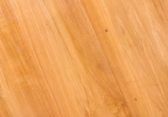 A fából készült búrnak és padlónak jót tesz, ha teával törlöd át , emellett tisztításra is alkalmas a módszer.