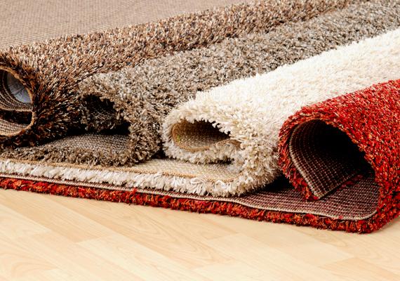 Érdemes a padlóra szőnyeget teríteni, emellett a falvédők is jó szolgálatot tehetnek.