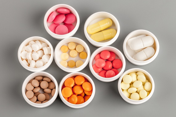 Hiába van sok fürdőszobában külön gyógyszeres szekrény, a legtöbb készítmény esetében előírás, hogy azt hűvös, száraz helyen kell tartani, emellett a gyógyszerek minőségromlását is előidézheti a nedvesség és a pára.