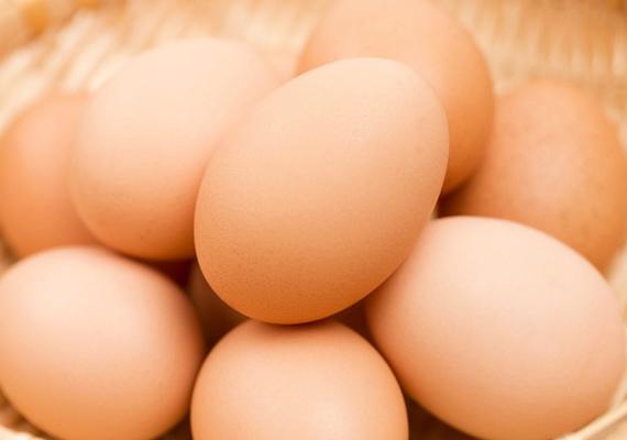 Ha a tojást lefagyasztod, a benne lévő folyadék megfagy, a héja pedig szétreped. Kattints ide, és nézd meg, hogy mely ételek lefagyasztását nem ajánljuk még!