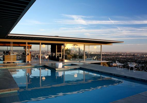 A Los Angeles-i Stahl House-t Pierre Koenig tervezte, és 1959-ben készült el.