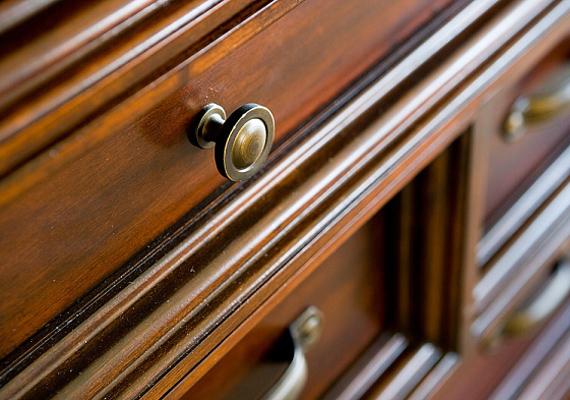A térrendezés során figyelj arra is, hogy a sötét és robusztus bútorokat kerüld, mert ezek is frusztrációt válthatnak ki.