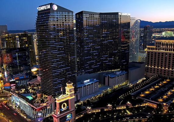A The Cosmopolitan nevű hotel és kaszinó az amerikai egyesült államokbeli Las Vegas büszkesége. 2010-re épült fel, mai értéken 4,16 milliárd dollárból.