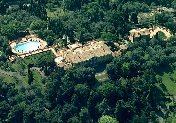 A Villa Leopolda a Forbes magazin becslései szerint 500-750 millió eurót érhet.