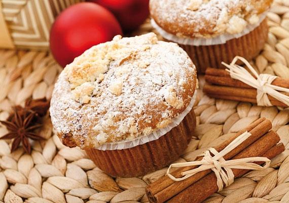 Muffin                         A jó öreg muffin sem maradhat ki az ünnepi készülődésből, ha egy kis fahéjat rejtesz a tésztájába, máris karácsonyi jellegű lesz, mellé még pár csokidarabka vagy egy kis dió, netán kandírozott gyümölcs, és kész is az igazi ünnepi változat, mindenki örömére, ráadásul nem is telik az egész 30 percbe.