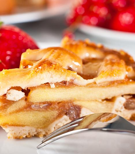 Almás pite  Az almás pite igazi klasszikus, aminek az elkészítéséhez még különösebb jártasság sem szükséges. Ha a nagyi változatának nem tudsz ellenállni, akkor receptjeink is ízleni fognak!  Kapcsolódó cikk: Fűszeres almás pite » Szórt almás pite »