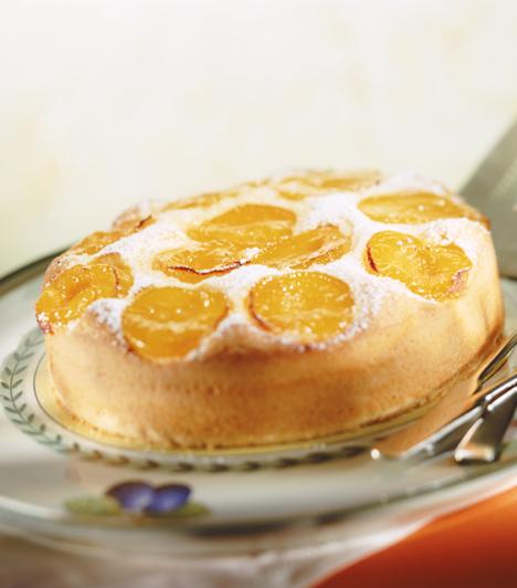 Barackos sütemény  Bármilyen kevert tésztába, illetve piskótába tehetsz barackdarabokat, csak a képzeleted szabhat határt a sütemény elkészítésének!  Kapcsolódó cikk: Barackos rácsos pite »