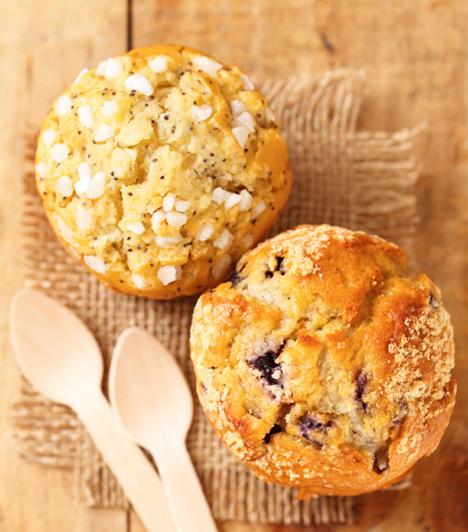 Meggyes-mákos muffin  A meggy és a mák jól megférnek egymás mellett a süteményekben, ezért érdemes kipróbálnod muffinreceptünket! Bearanyozza a délutánodat anélkül, hogy órákig pepecselnél.  Kapcsolódó cikk: Meggyes-mákos muffin »