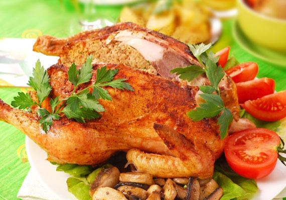 Csirke- vagy pulykamájas töltelékkelA májból nemcsak a főételt készítheted el, hanem töltelékként is pompás. A kissé száraz szárnyashúst nagyszerűen egészíti ki egy kis májas töltelék, amit nem is olyan bonyolult elkészíteni, mint amilyennek elsőre tűnik, és a végeredmény mindenképpen egy látványos és ízletes fogás. A részletekért és a receptért kattints ide!