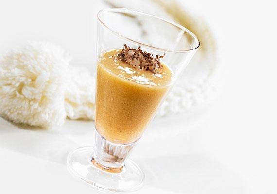 Körtés smoothieA magas rosttartalmú körte a legjobb őszi gyümölcs, ha éppen most kezded a diétád. Segíti az anyagcserét, és a salakanyagokat is kikergeti a szervezetedből. Ha már nagyon unod a diétás ízeket, egy kis fahéjjal és magas tartalmú csokoládé reszelékével feldobhatod, nagyon jó íze lesz tőlük!