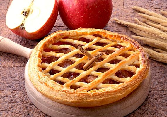 Az almás-habos sütemény igazán különleges csemege. A tésztához kekszmorzsát adtunk, az almás tölteléket pedig sárgabaracklekvárral és tojásfehérjével habosítottuk. A gyors, isteni rácsos sütik összeállításunk utolsó receptje »