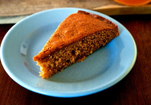 Mézes bögrés sütiHa nincs kedved puszedlit vagy mézeskalácsot sütni, de azért valami mézes édességet szeretnél adni vendégeidnek, akkor a bögrés süti lesz a megoldás. A többi társához hasonlóan ez a sütemény is pofonegyszerű, a méznek köszönhetően pedig gyönyörű színe lesz. Gyümölccsel vagy anélkül így készítsd!