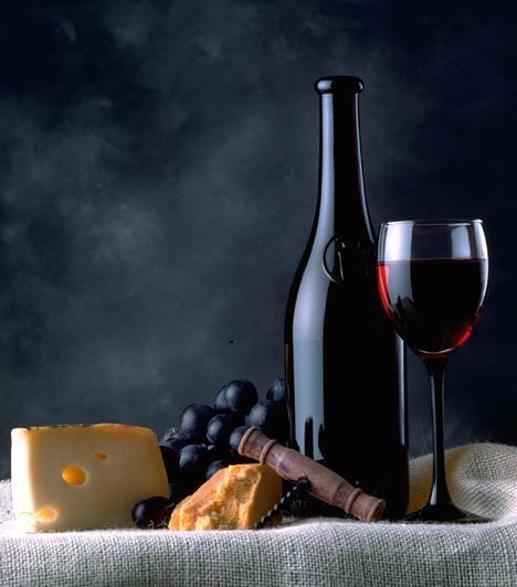 A bort természetesen önmagában is lehet fogyasztani. Ilyenkor maga a nedű határozza meg, hogy mit falatozzatok mellé. Az ízek mindig egészítsék ki a bort, soha ne nyomják el az ízét, inkább az utóbbi érvényesüljön jobban.