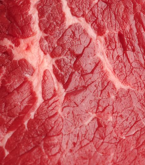 Kiszáradt hús  Nagyon könnyű kiszárítani a húst sütés közben. Figyelj rá, hogy ne süsd túl. Ha pedig alacsony zsírtartalmú fajtából készítesz valamit, például csirkemellből, akkor pácold be, hogy sütés után is puha legyen.