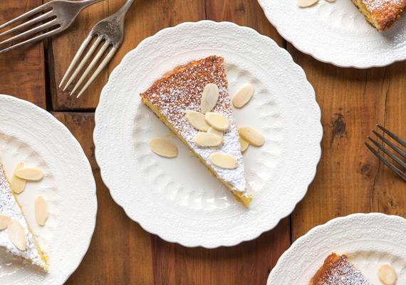 Mandulás-citromos tortaEgy francia kávézó teraszán ücsörögni pompás élmény, azonban ha most éppen nem ott vagy, a hangulatot akkor is pillanatok alatt az otthonodba varázsolhatod ezzel az ínycsiklandó mandulatortával. A receptet itt találod, már melegítheted is elő a sütőt!