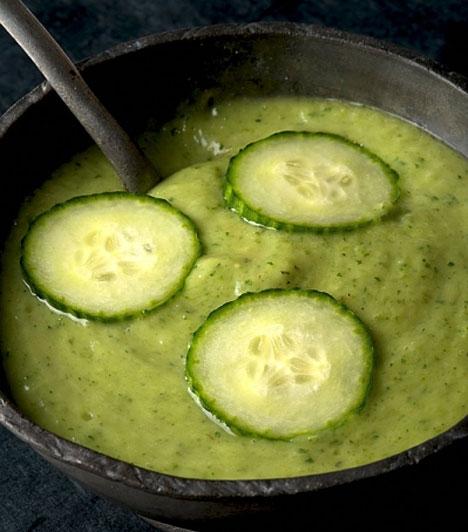 Mentás uborkakrémleves                         Az uborka nemcsak salátának jó, krémlevessé manifesztálódva biztos, hogy rövid idő alatt az egyik kedvenced lesz. Az igazán frissítő élmény érdekében azért adj hozzá egy kis mentát is, az a biztos.