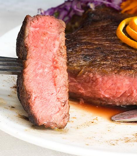 Bélszín                         A bélszín elkészítése nem nagy ördöngösség, csak arra ügyelj, hogy jó minőségű húst vásárolj. Ha valami különlegessel rukkolnál elő, akkor bátran nyúlhatsz hozzá!                         Kapcsolódó cikkek:                         Omlós bélszínérmék »