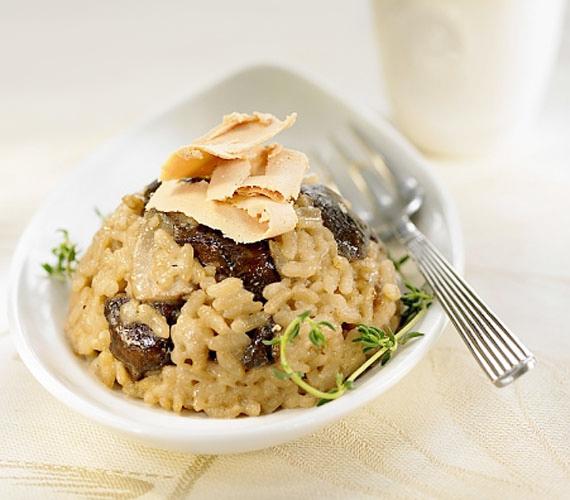 Az olasz konyha nemcsak tésztákban erős, hanem a legjobb rizsételt, a rizottót is nekik köszönhetjük, természetesen az egyik legfinomabb változat gombával készül - próbáld ki, ha még nem tetted!