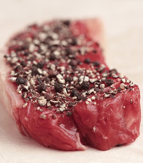Jó minőségű hús  Ha húsételt készítesz, ne spórolj a fő összetevőn. Sajnos némelyik hentes és bolt különböző trükköket alkalmaz, hogy frissnek mutassák a már több napos húst, ezért csak megbízható húsosnál vásárolj.