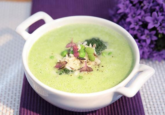 Karcsúsító brokkoli krémleves, hidegen a legfinomabb.